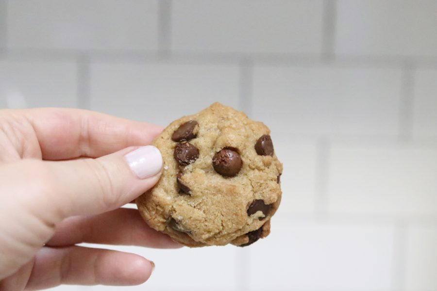 chocolate chip cookie crispy