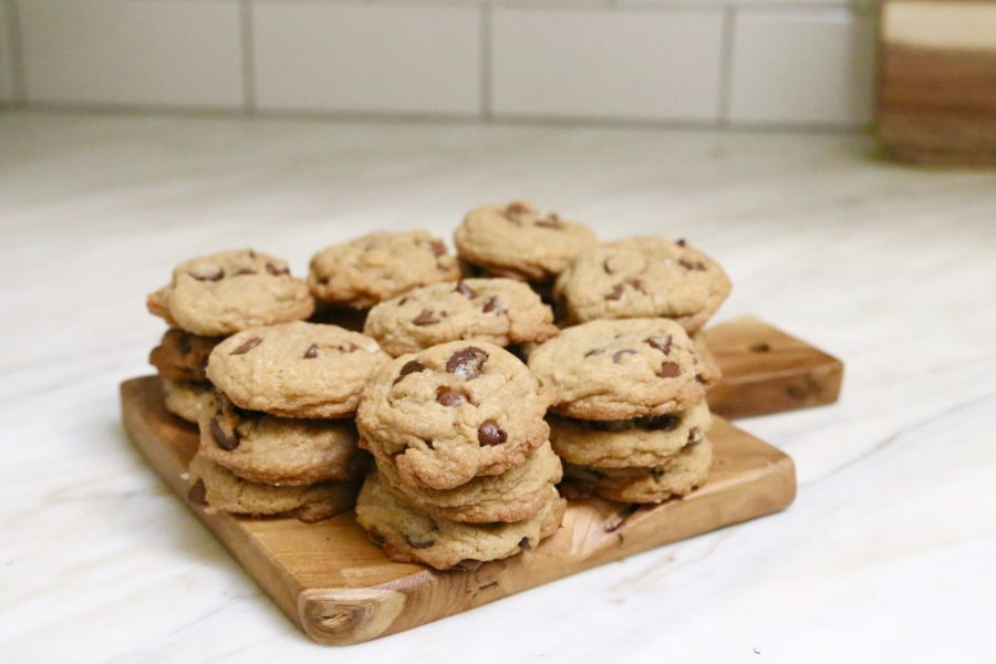 The Perfect Chocolate Chip Cookies | Modern Glam
