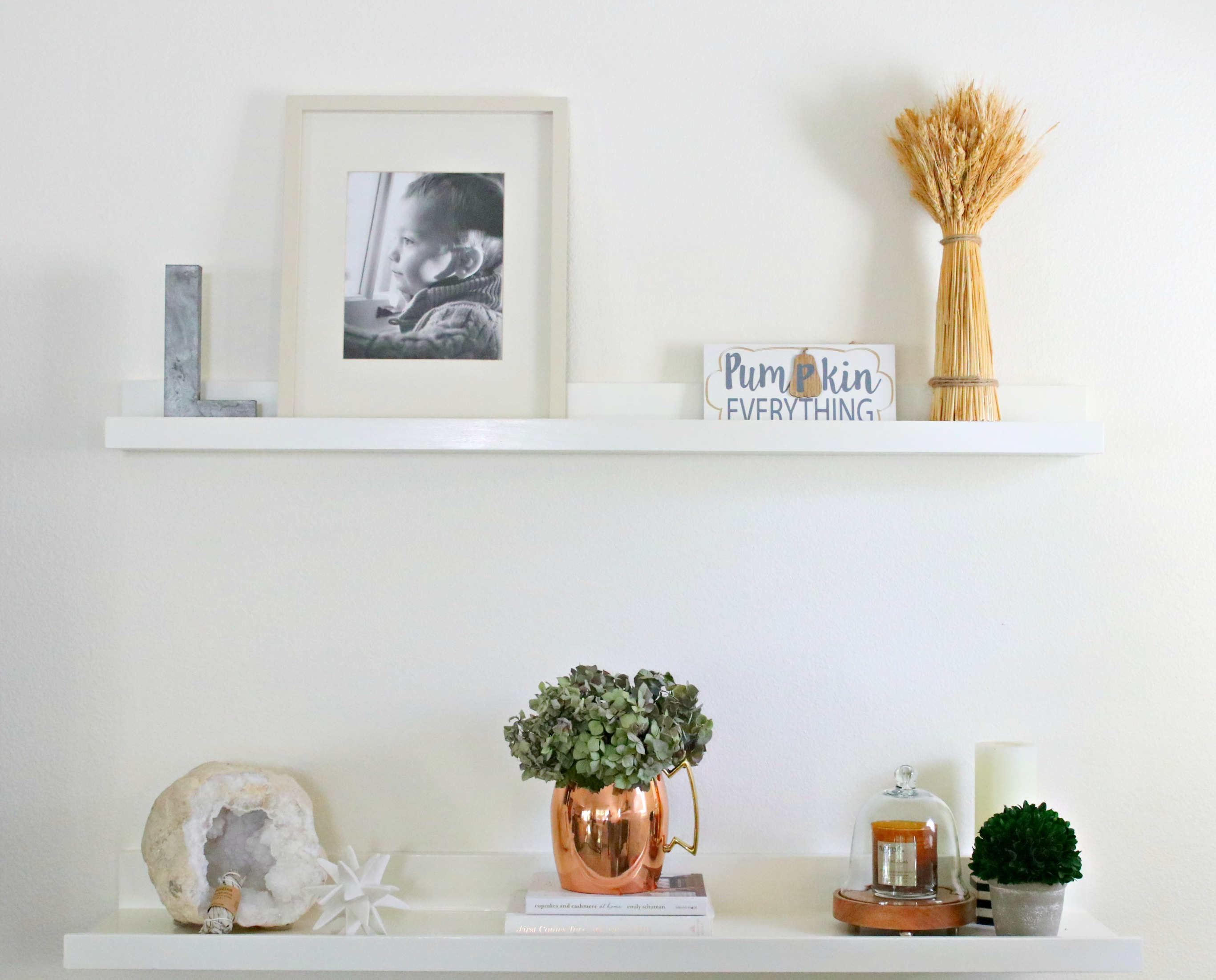 fall farmhouse shelf styling