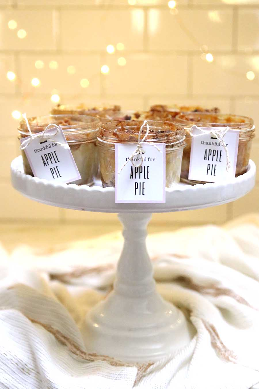 mini mason jar apple pies