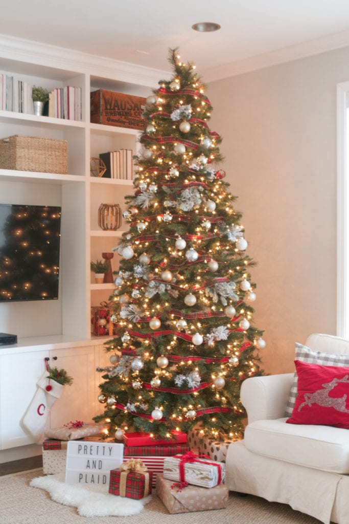 10 Inspiring Ideas: How to decorate your tree for Christmas