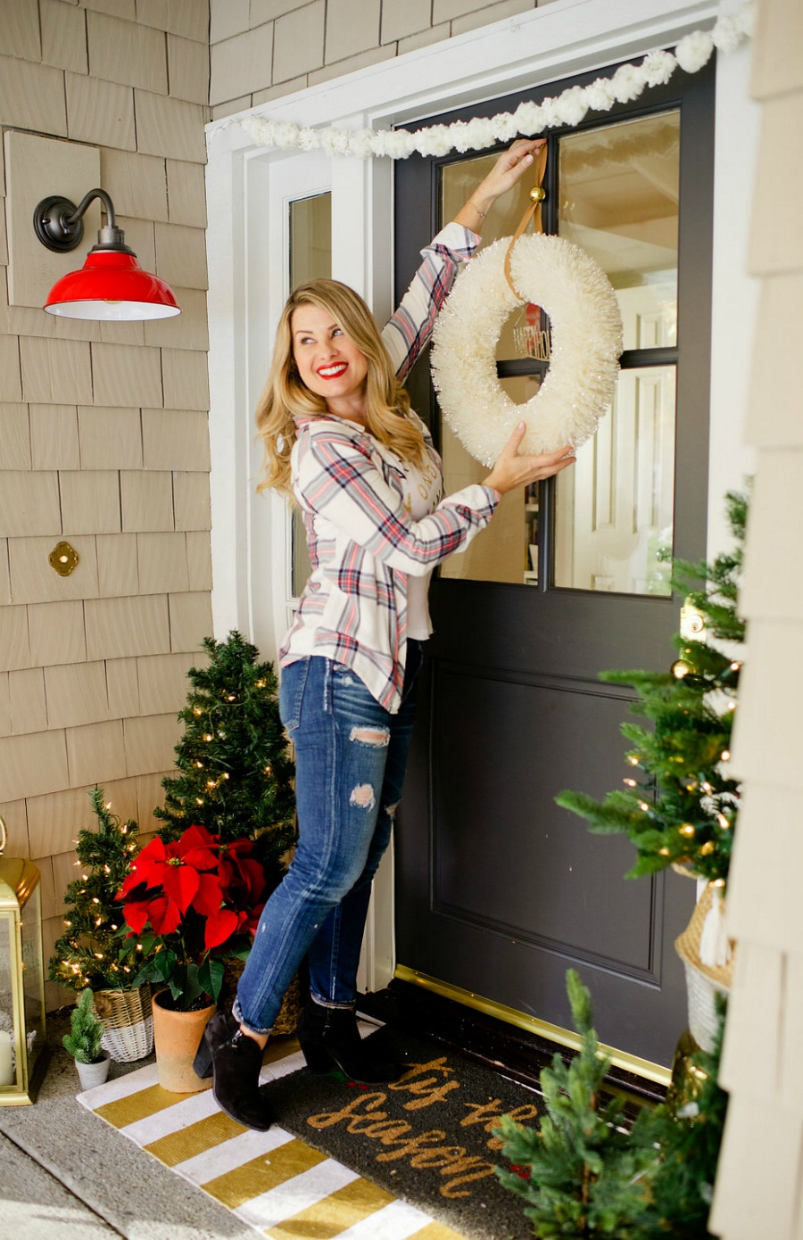 Holiday Home Tour - Classic Christmas Porch