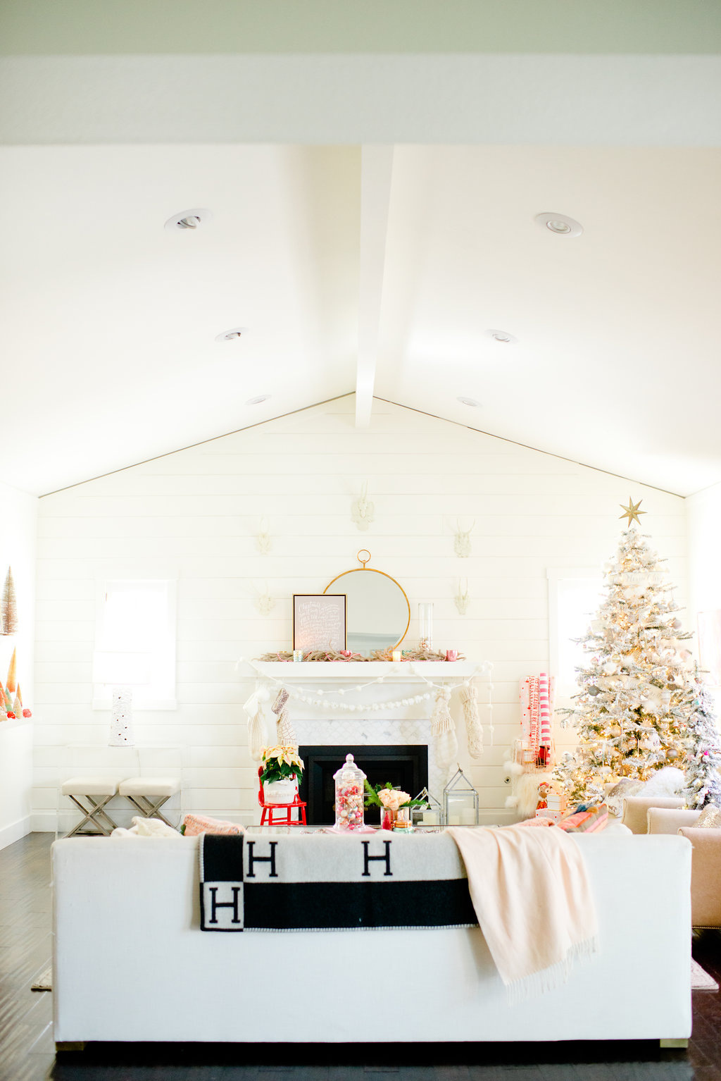 A Very Vintage Christmas Home Tour