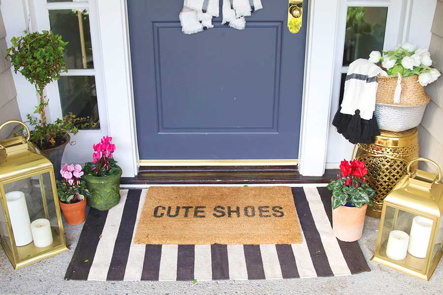 how to layer doormat and rug