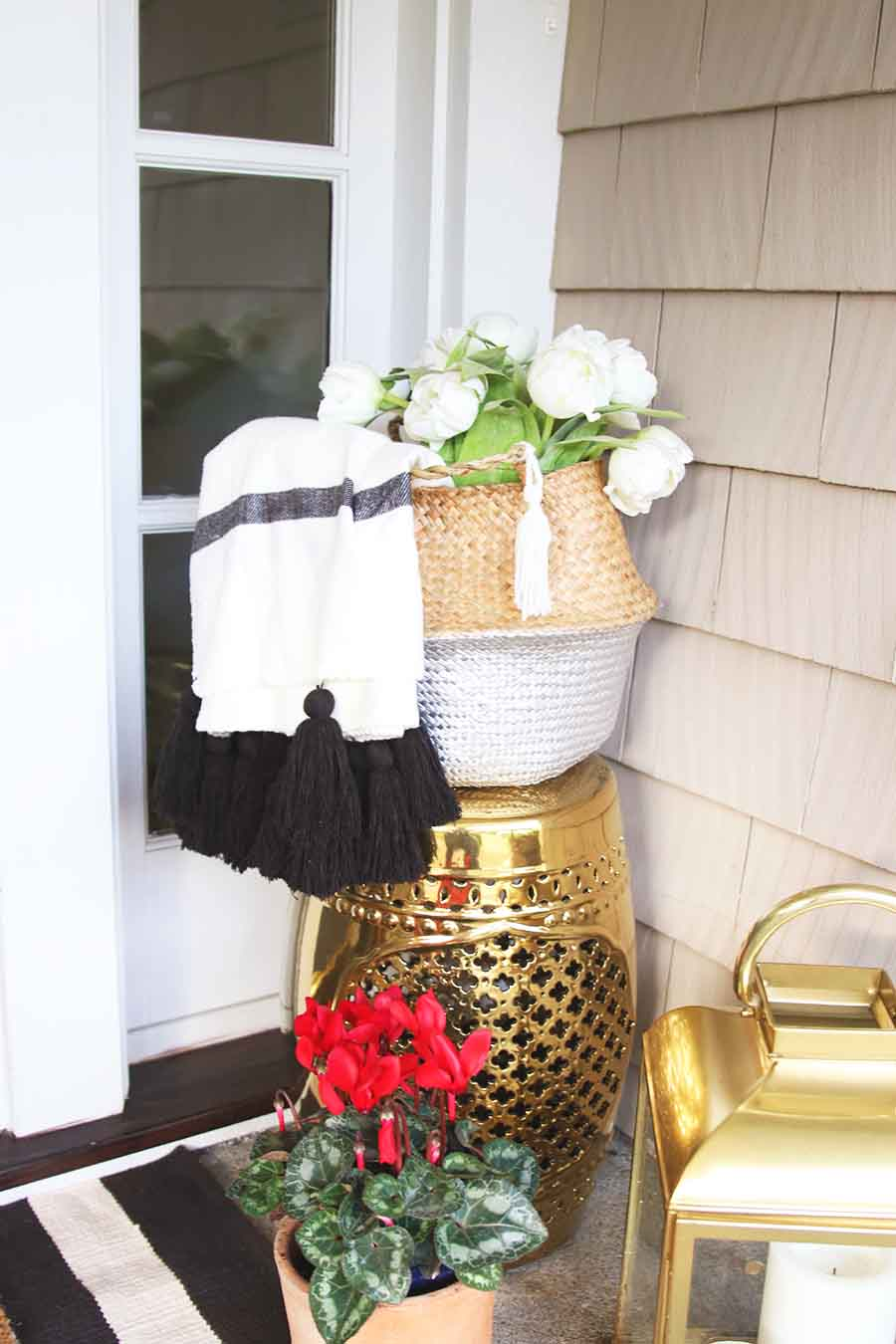 Valentine's Day Front Porch Decorating