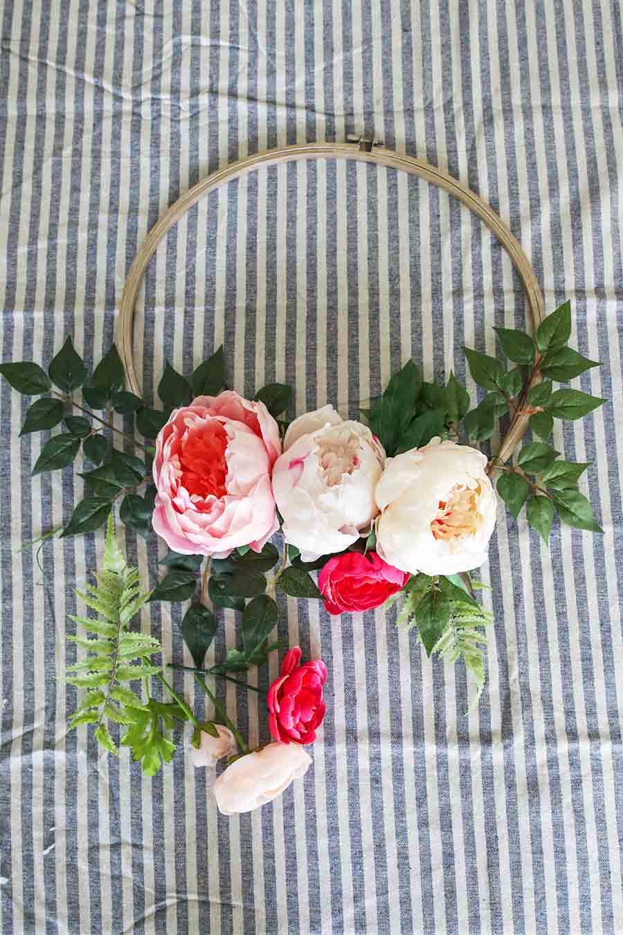 DIY Modern Wreath Tutorial