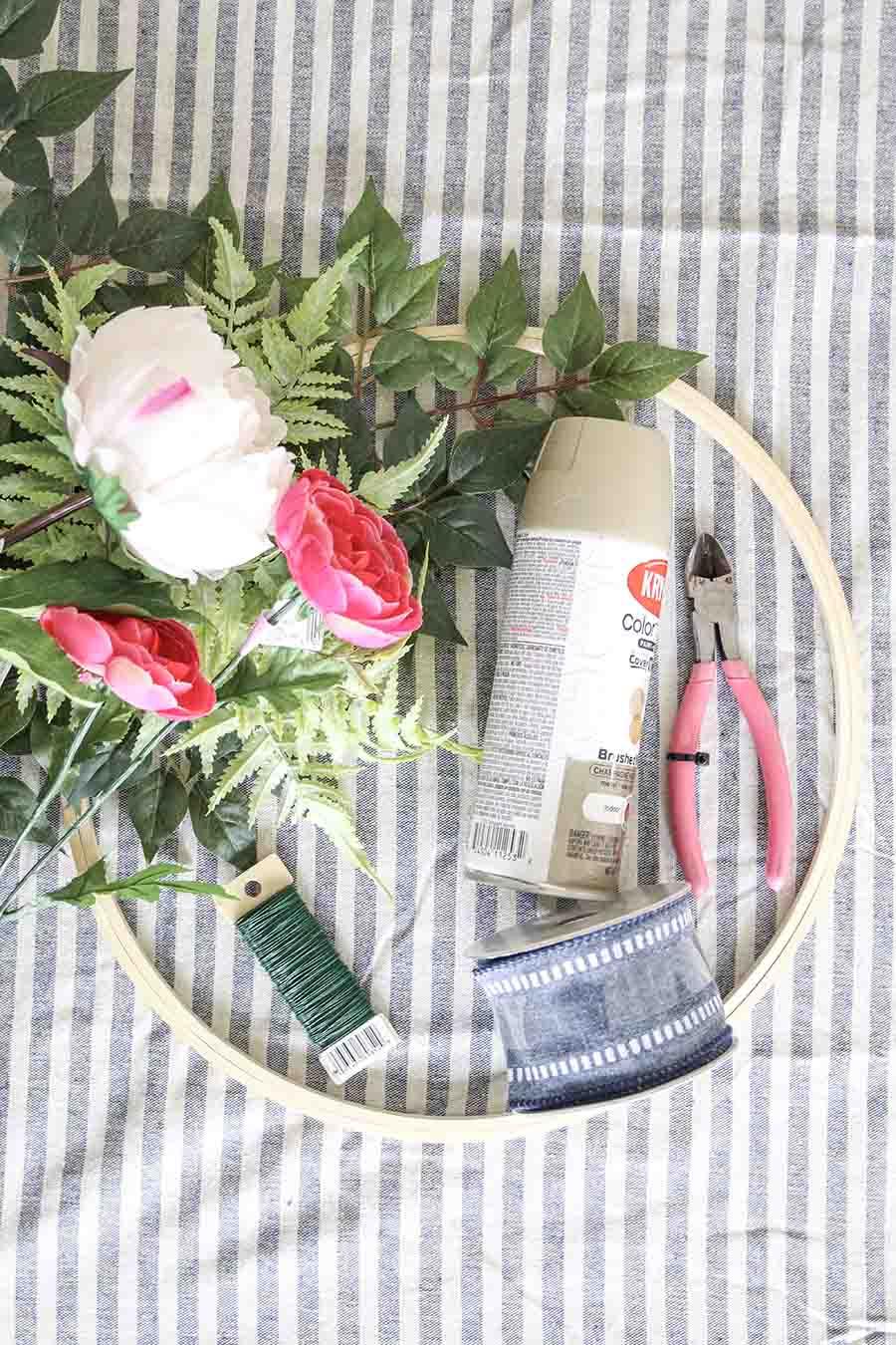 DIY: Modern Spring Hoop Wreath