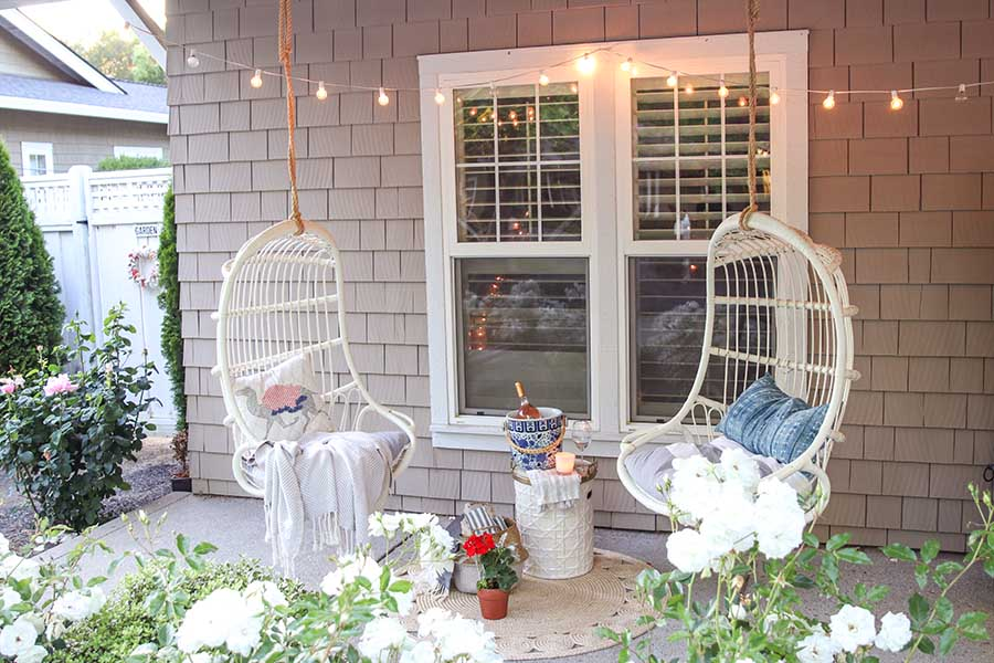 Front Porch Decorating Ideas: 12 months of Inspiration ...