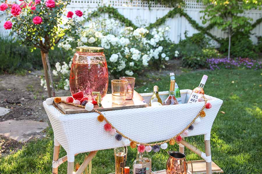 Outdoor Patio Decorating Ideas. Summer Bar Cart