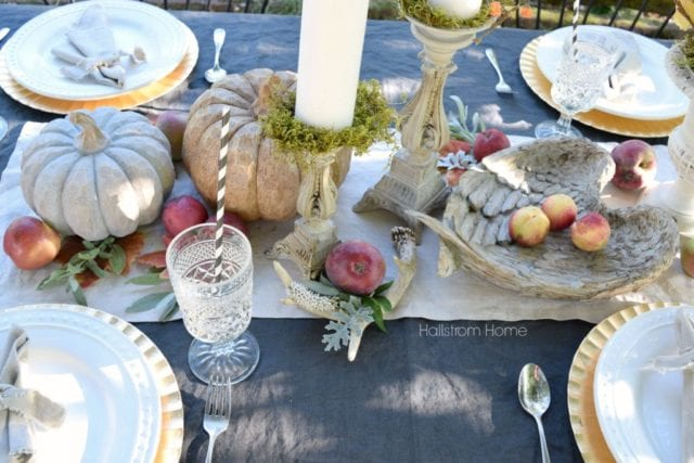 Outdoor fall table