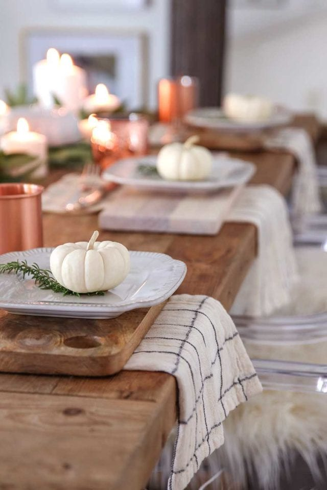 how to host thanksgiving dinner