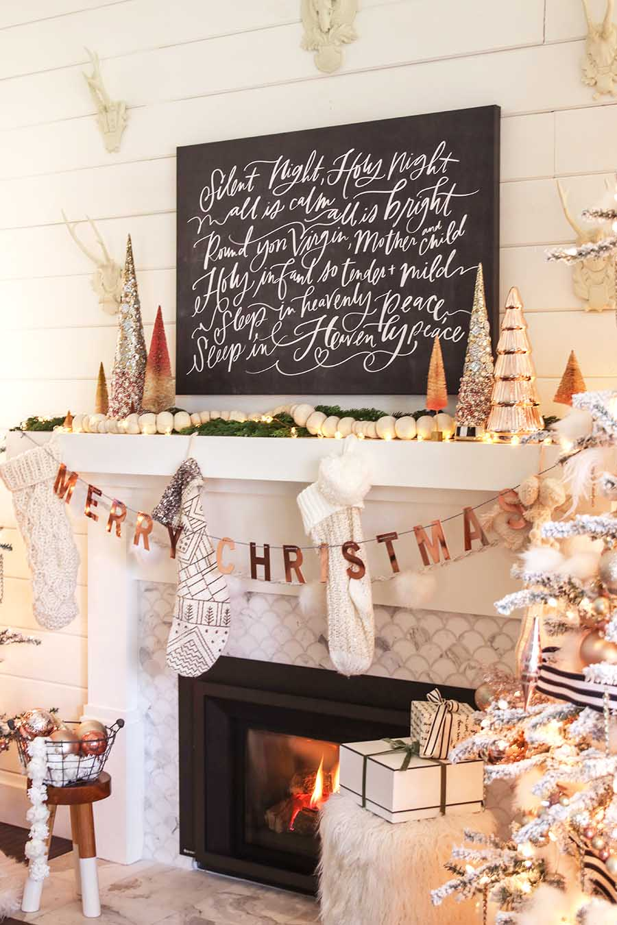 Modern Farmhouse Christmas Mantel