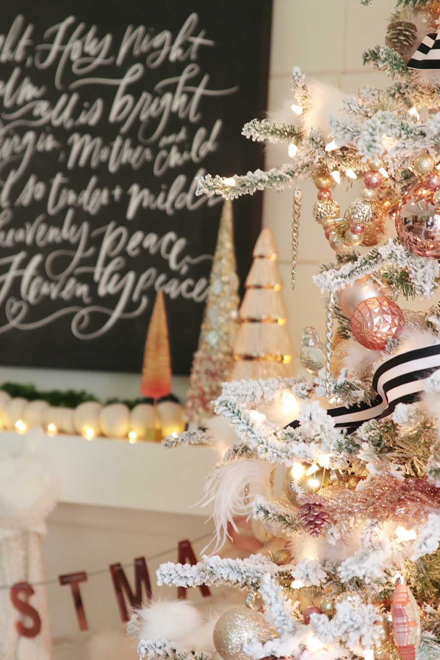 Modern Farmhouse Christmas Tree