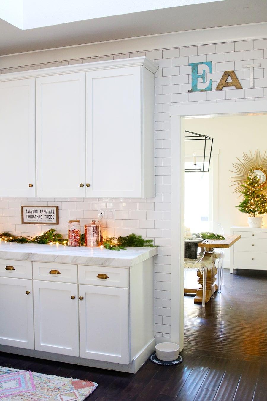 Modern Farmhouse Christmas kitchen