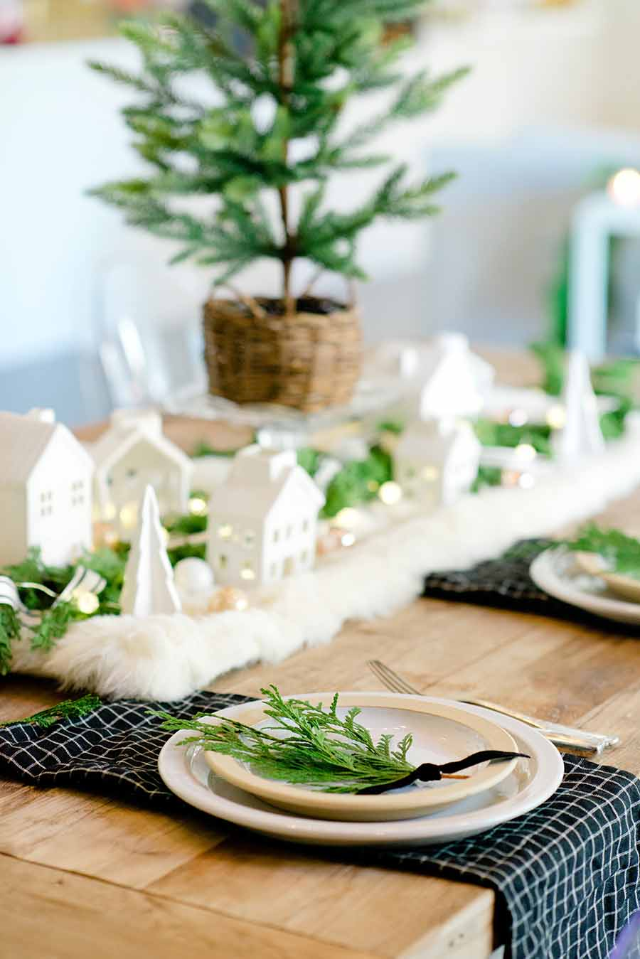 Neutral Modern Farmhouse Christmas Table