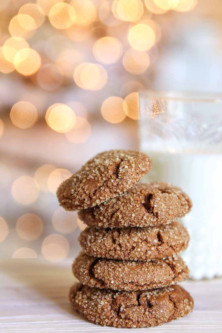 Spicy Chewy Ginger Molasses Christmas Cookie