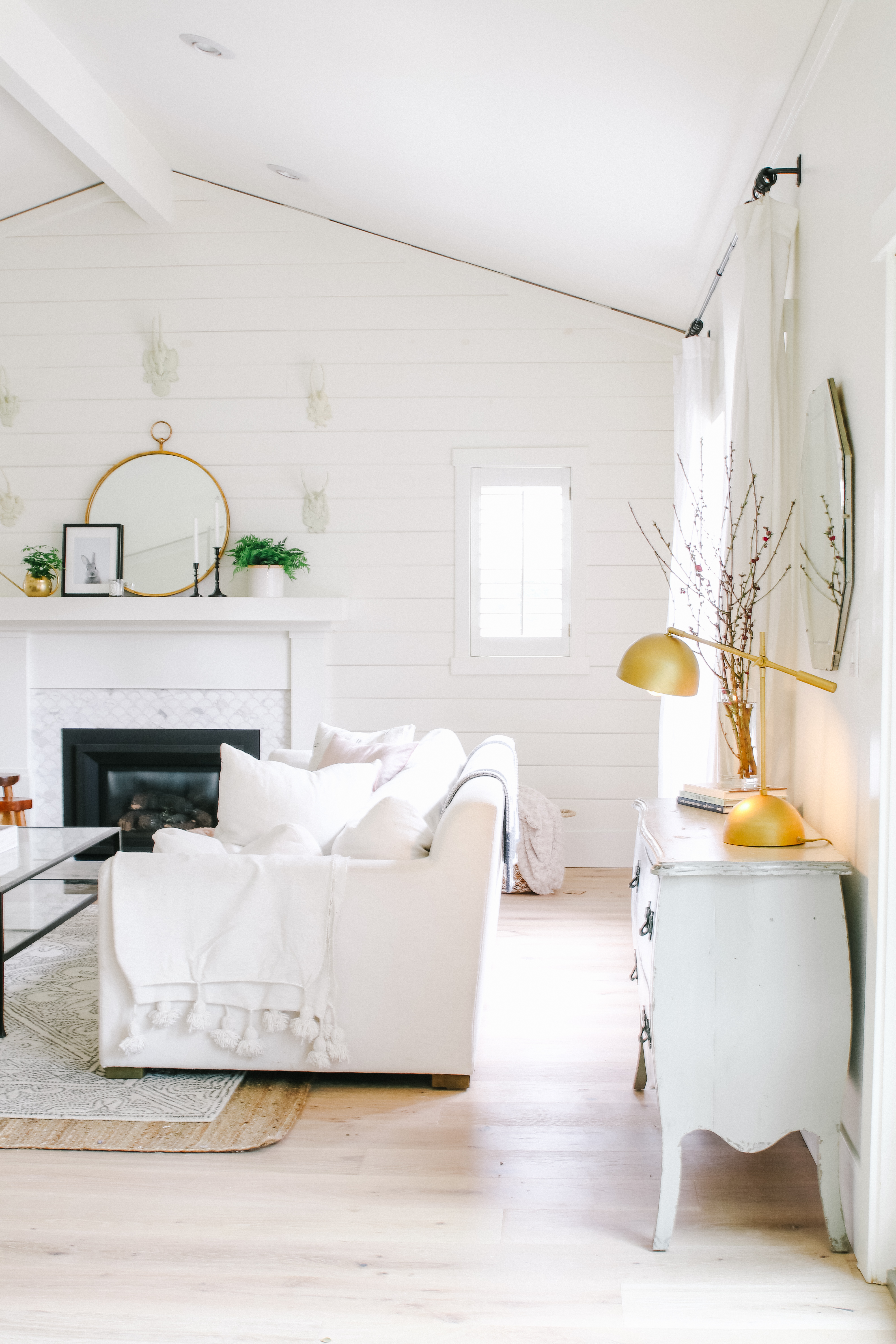 Home decorating ideas for spring. Modern Farmhouse decor ideas
