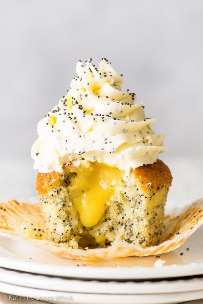 lemon cupcakes with poppyseeds