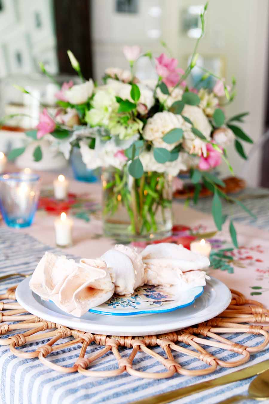 Pink and blue Easter table