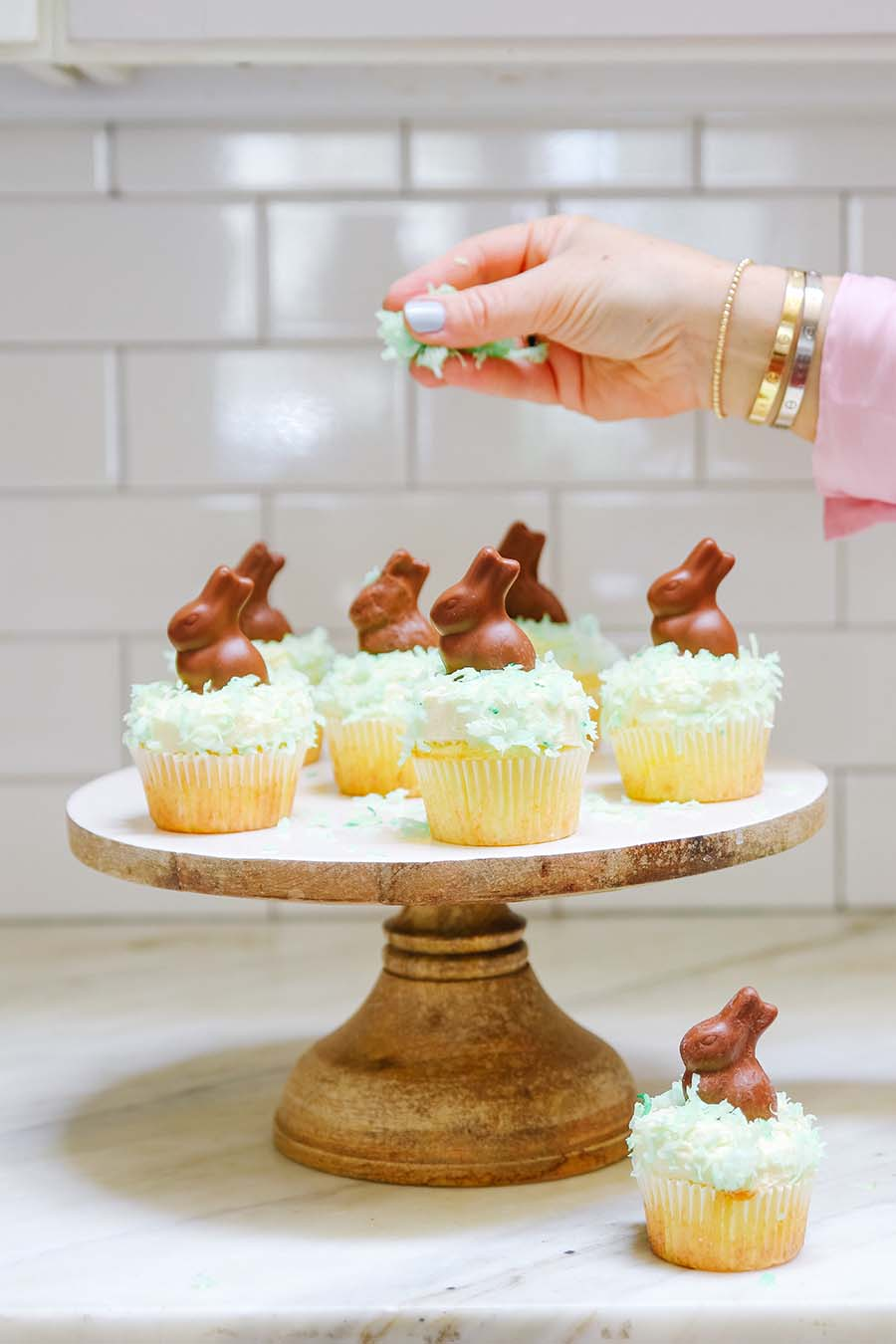 easter cupcakes with bunnies