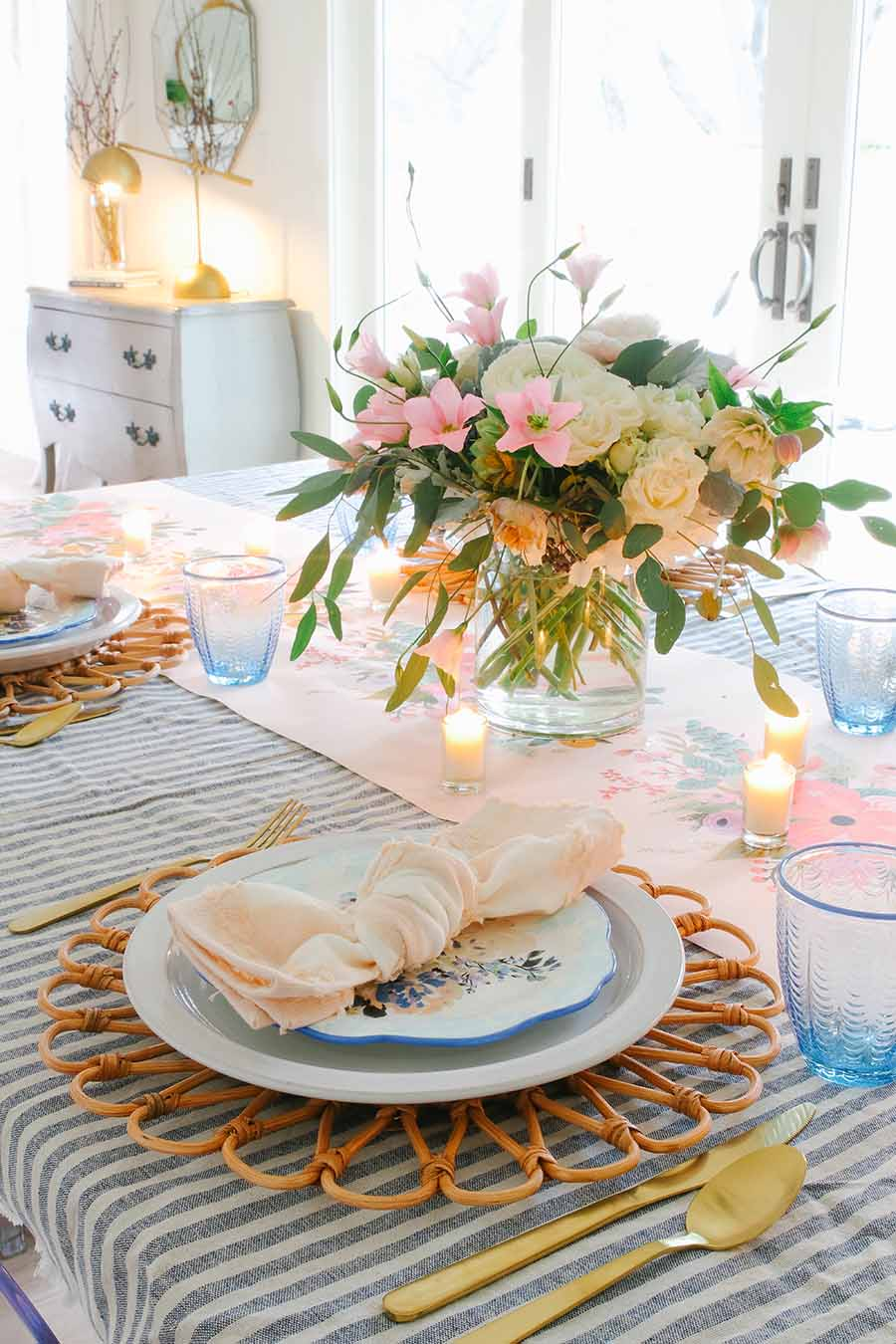 spring brunch table decor