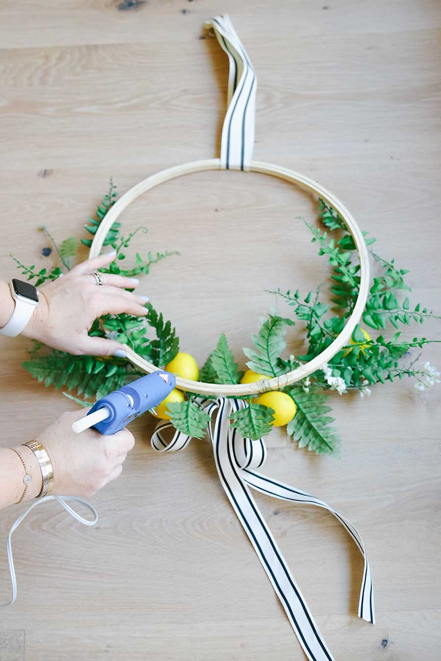 diy lemon hoop wreath