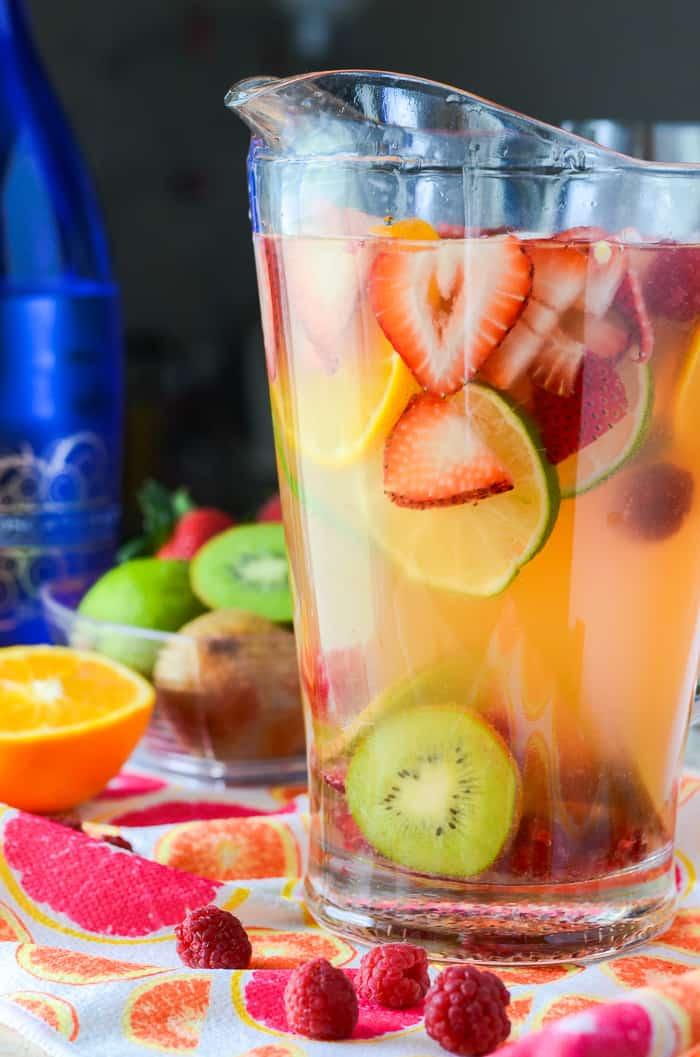 spring drink moscato sangria