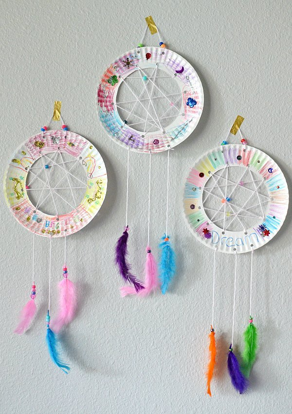 easy paper plate dream catcher diy summer craft for girls