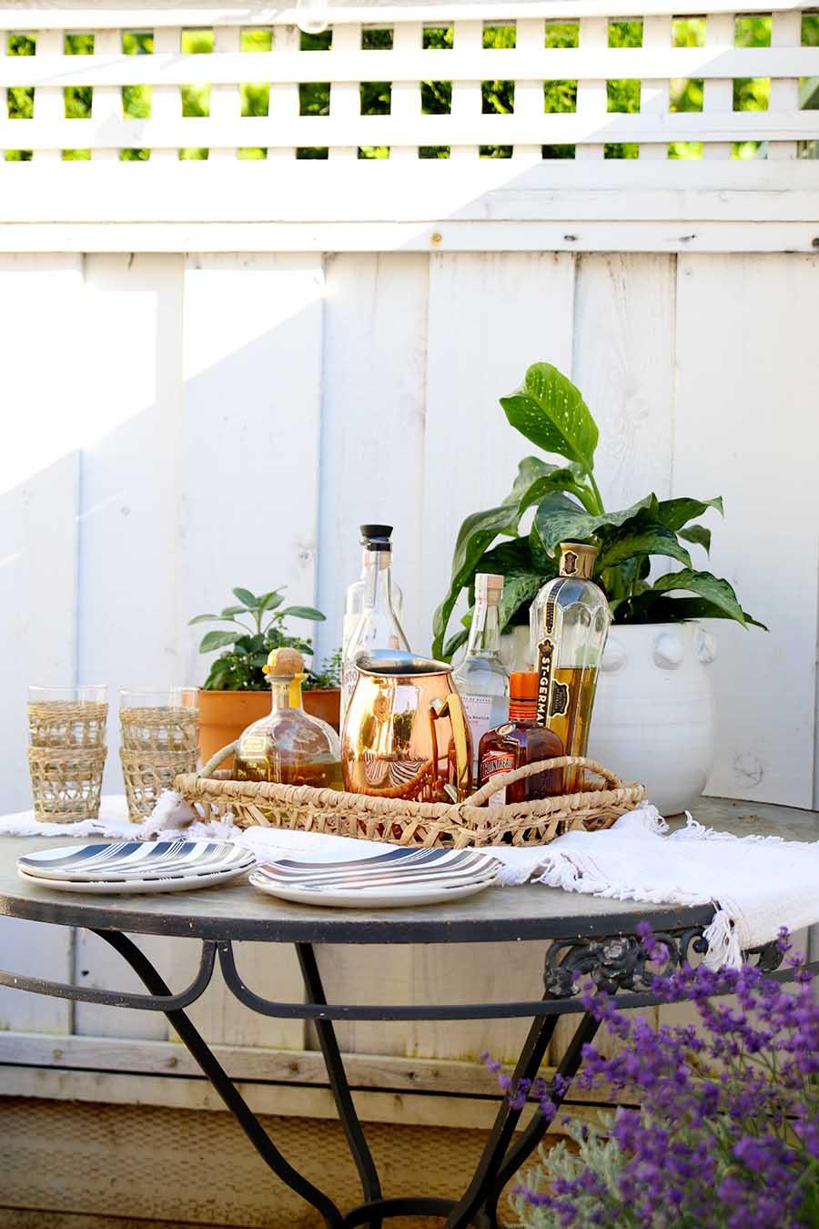 outdoor bar party idea