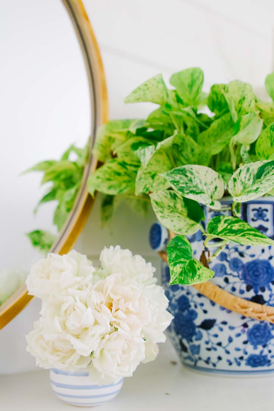 summer mantel decor in blue and white