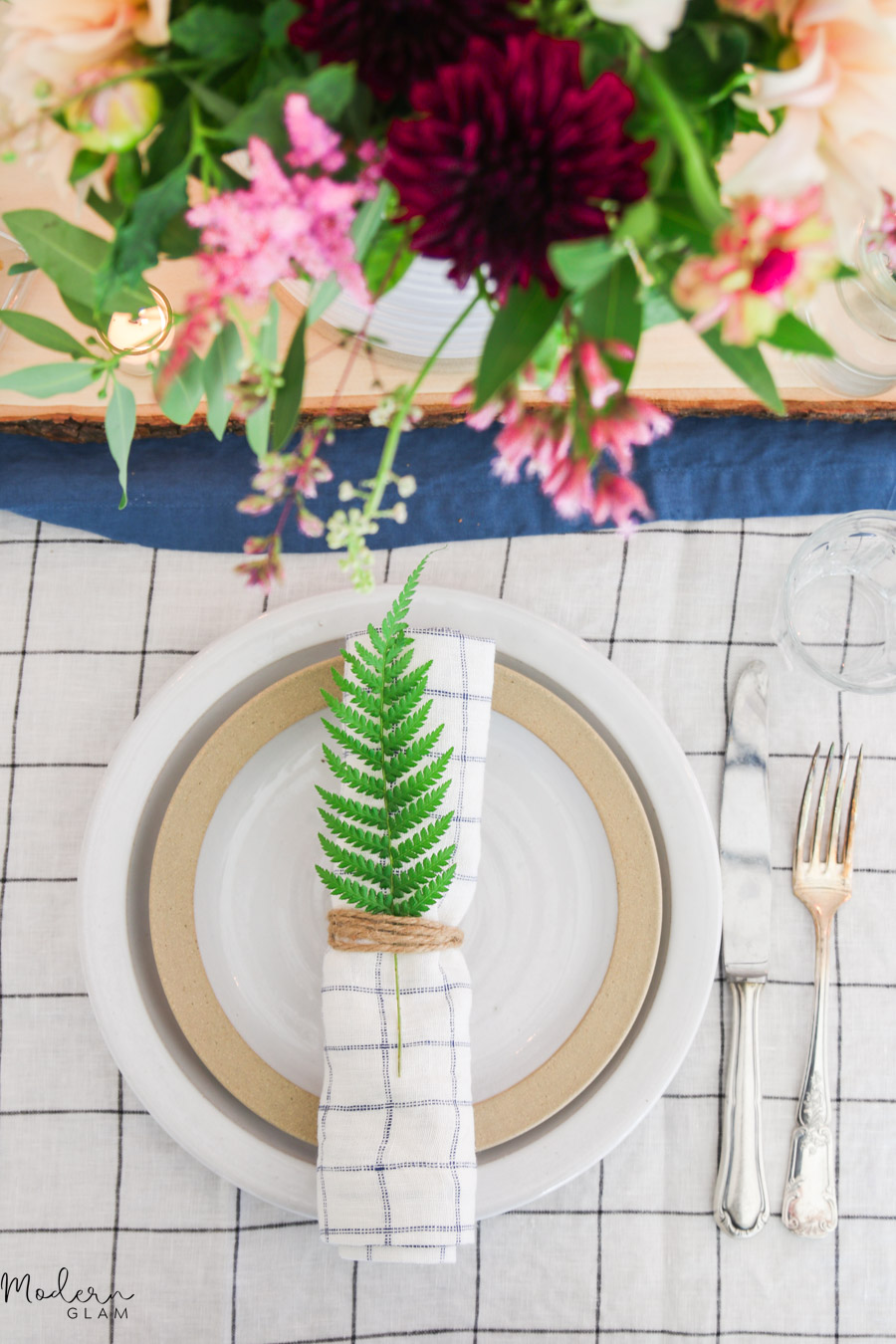 rustic summer tablescape decor