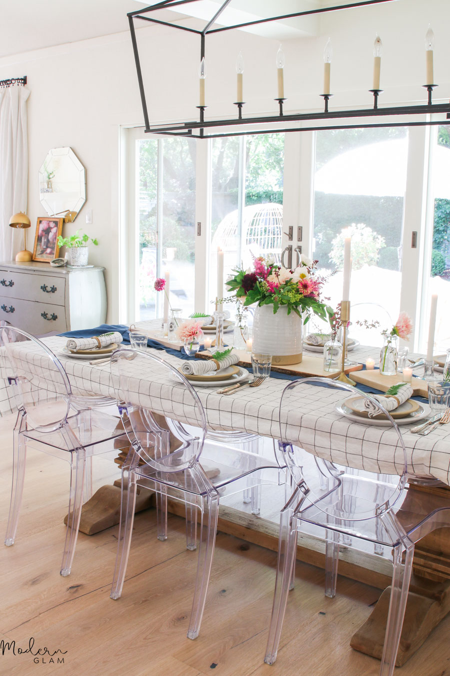 modern farmhouse table decoration