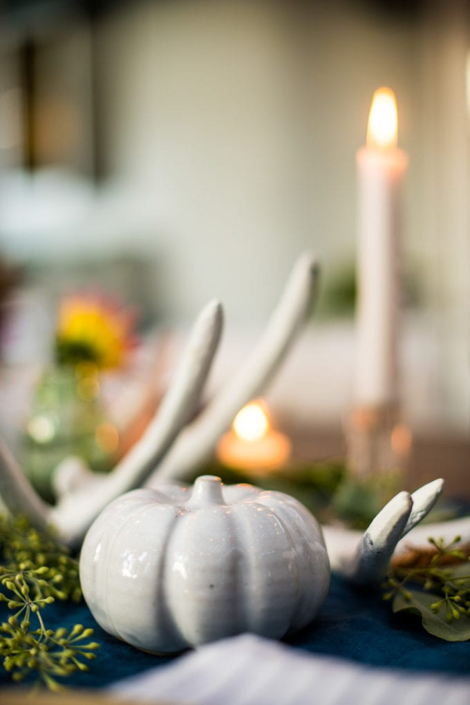 how to decorate a table for fall