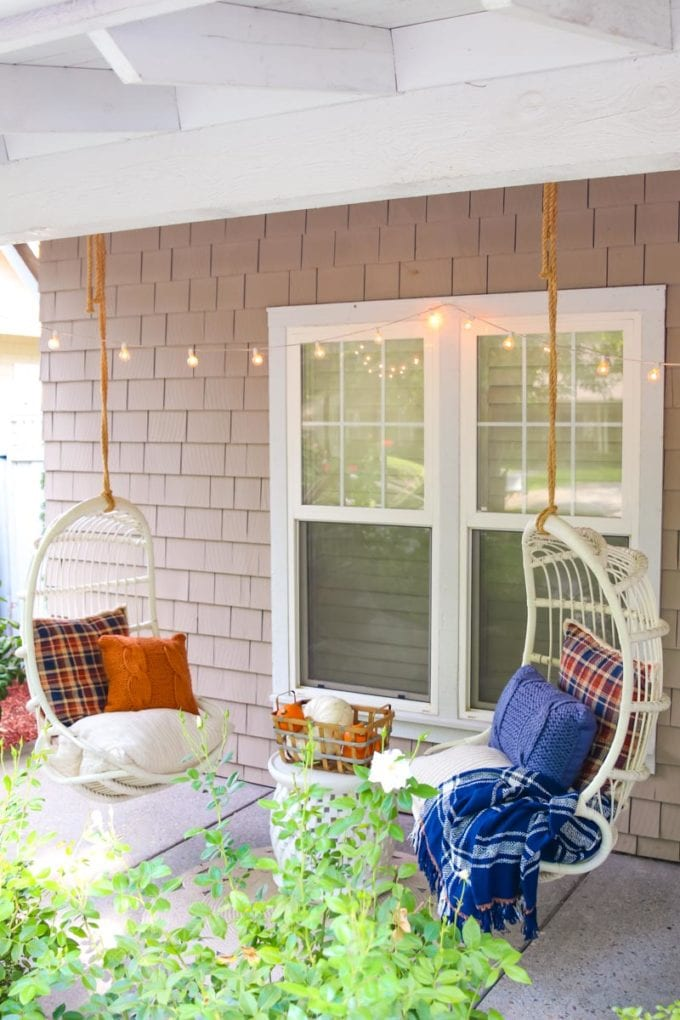 how to decorate for fall outdoors
