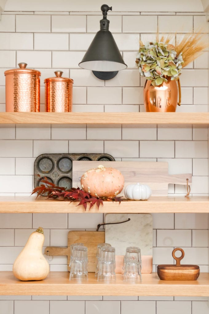 modern farmhouse kitchen decor for fall