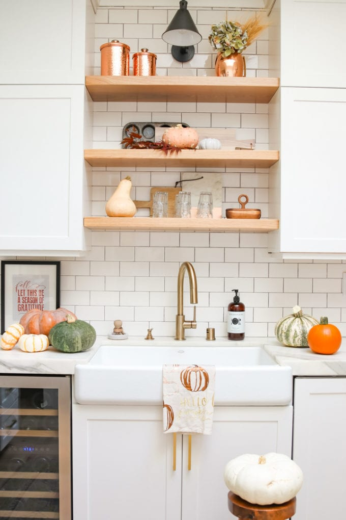 modern farmhouse fall kitchen decor