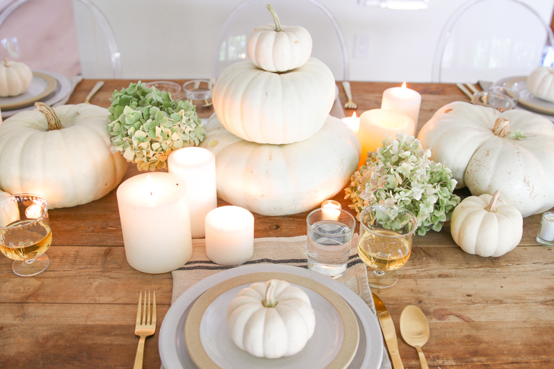 neutral thanksgiving table setting