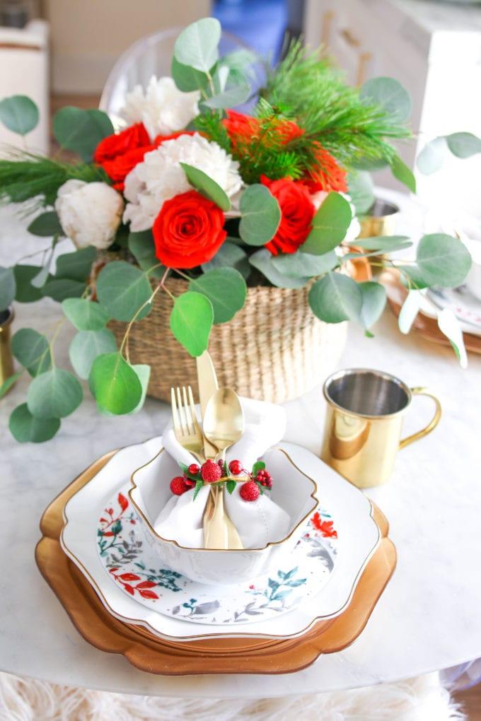 easy christmas floral arrangement