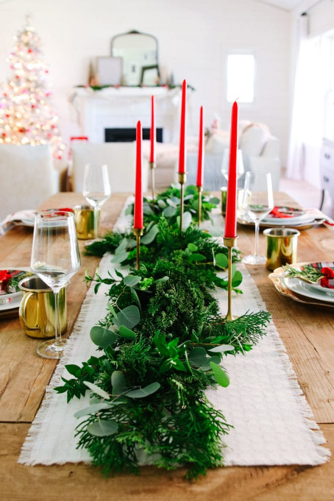 vintage modern christmas table idea
