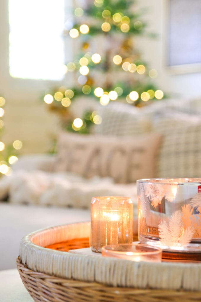 modern farmhouse holiday decor