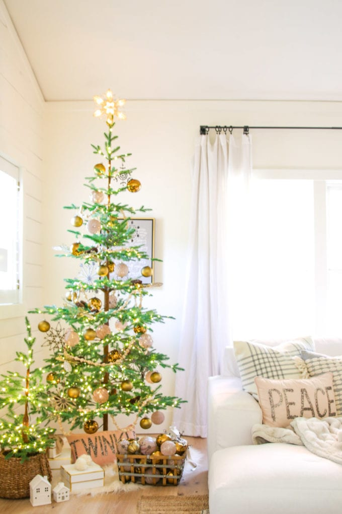 Modern Farmhouse Christmas Tree With Balsam Hill Modern Glam