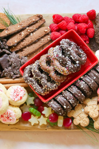 christmas cookie charcuterie board