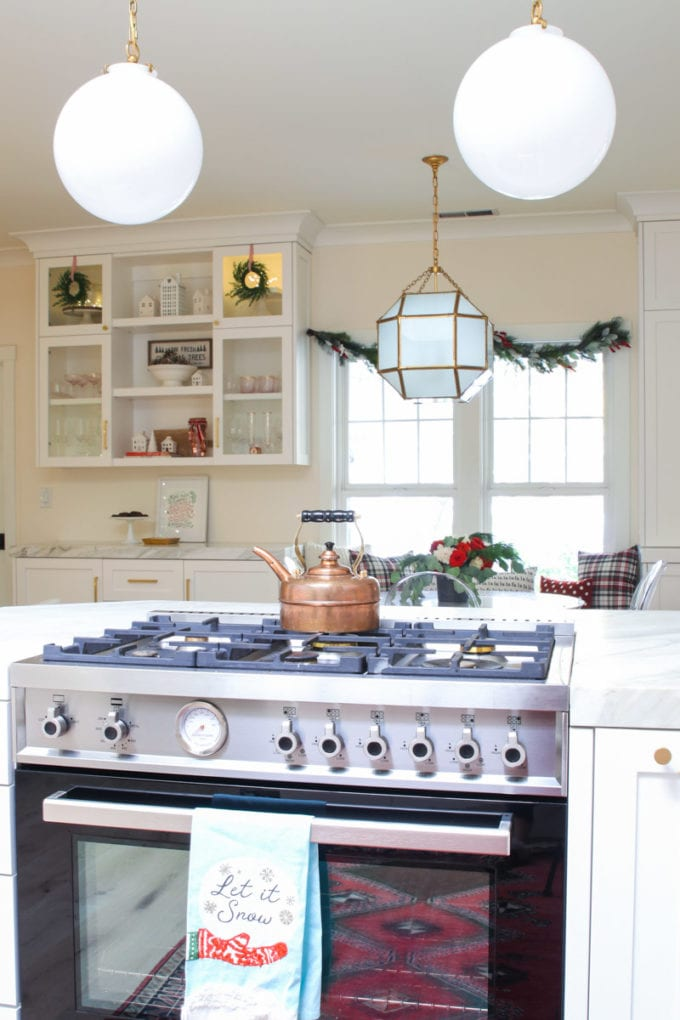 Modern Farmhouse kitchen decor