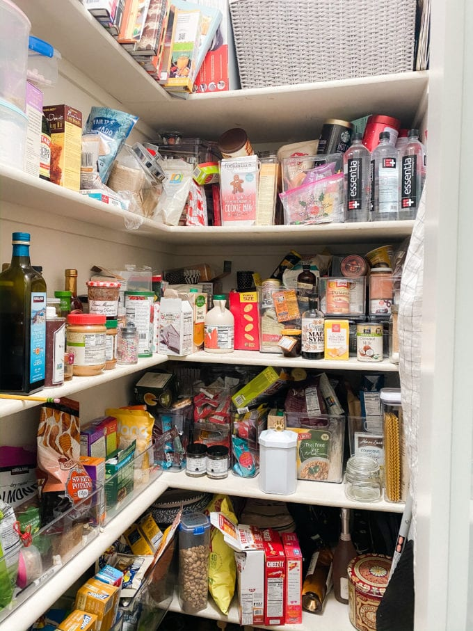 how to clean your pantry