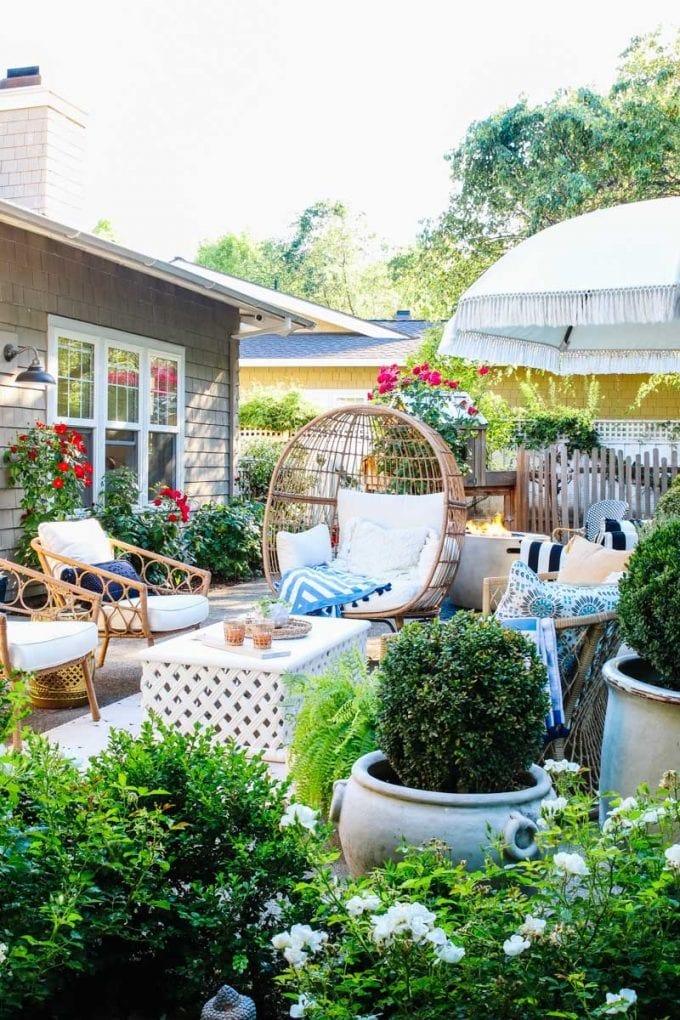 how to create an outdoor room