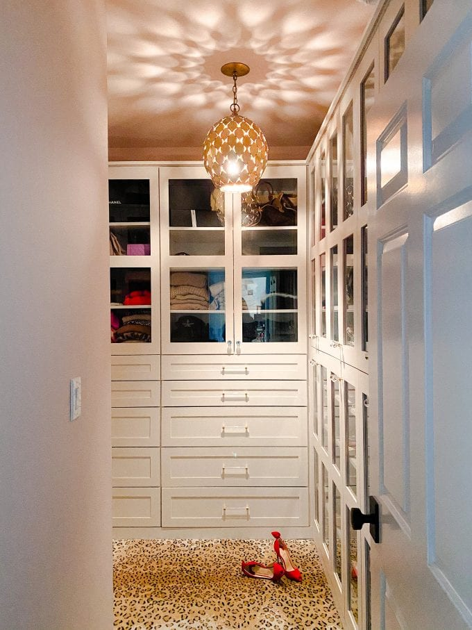 organizing ideas for your walk in closet