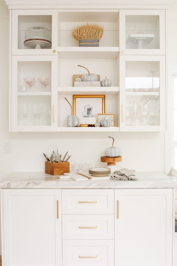 kitchen shelf styling for fall