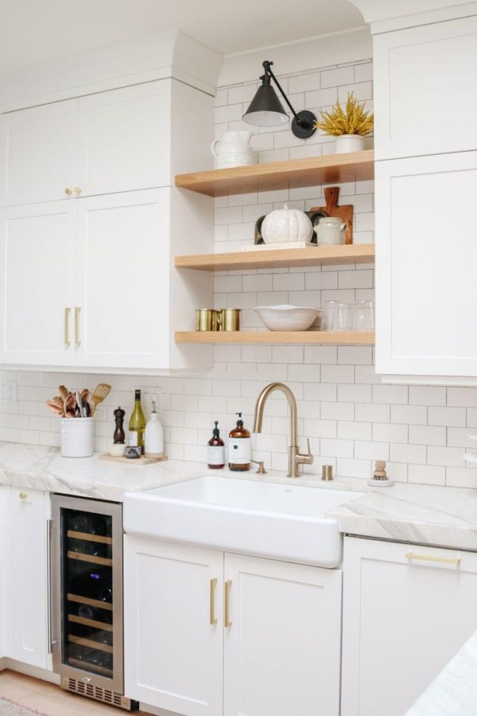 fall kitchen shelf styling ideas