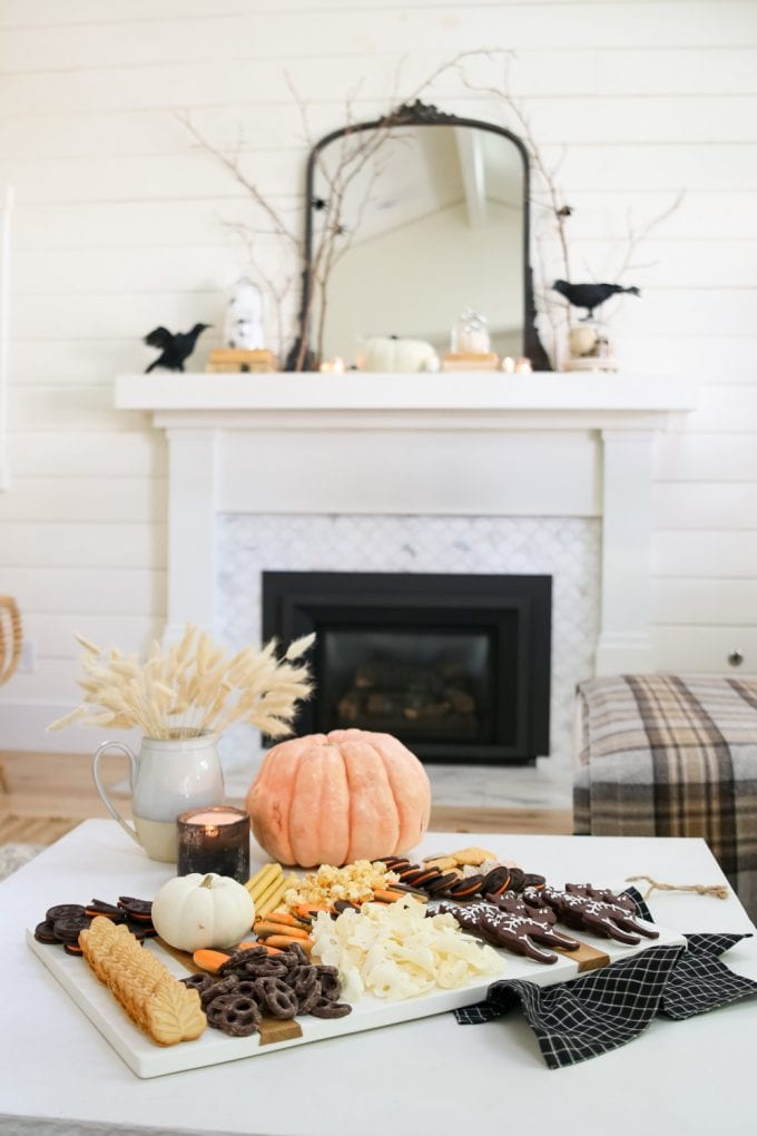 how to make a charcuterie board for halloween