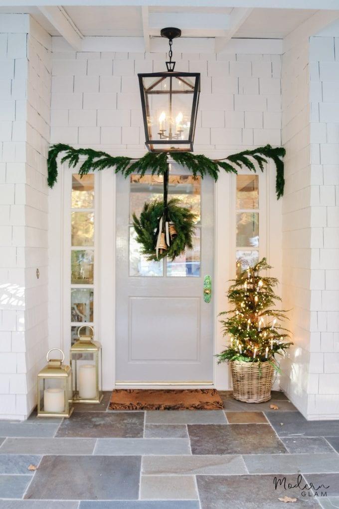 minimalist christmas wreath